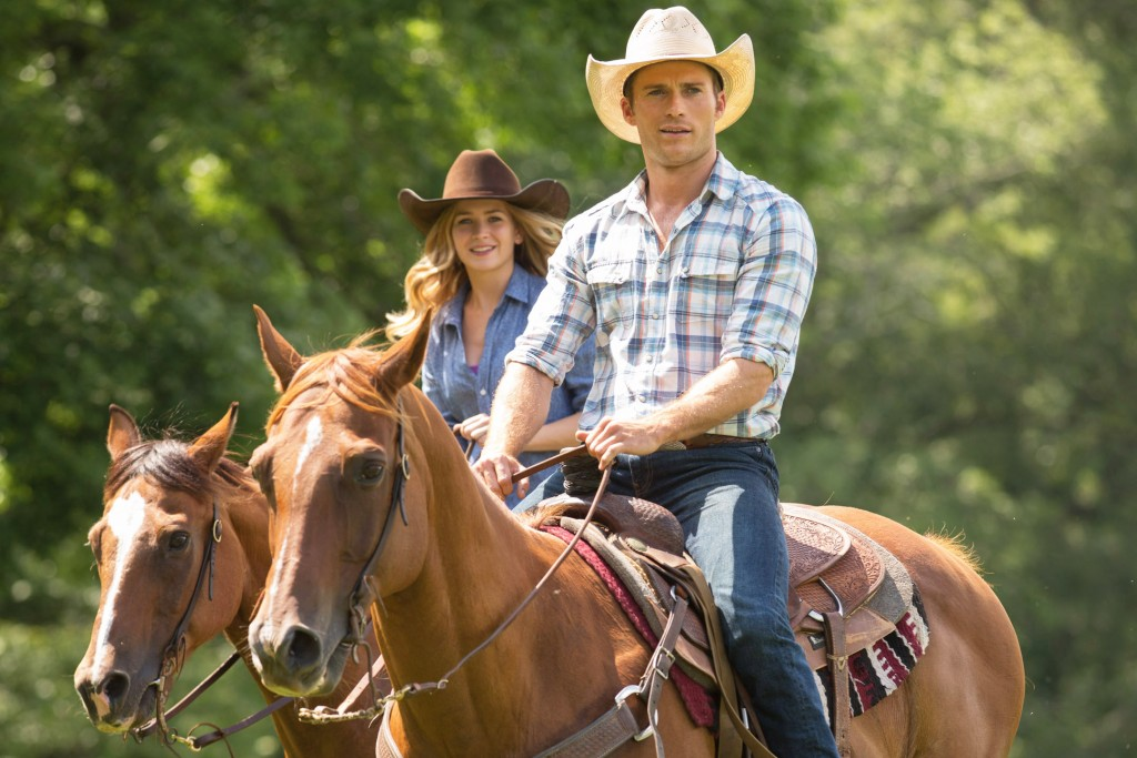 THE LONGEST RIDE - 2015 FILM STILL - Sophia (Britt Robertson) and  Luke (Scott Eastwood) - Photo credit:  Michael Tackett  TM and © 2014 Twentieth Century Fox Film Corporation. All Rights Reserved. Not for Sale or Duplication.